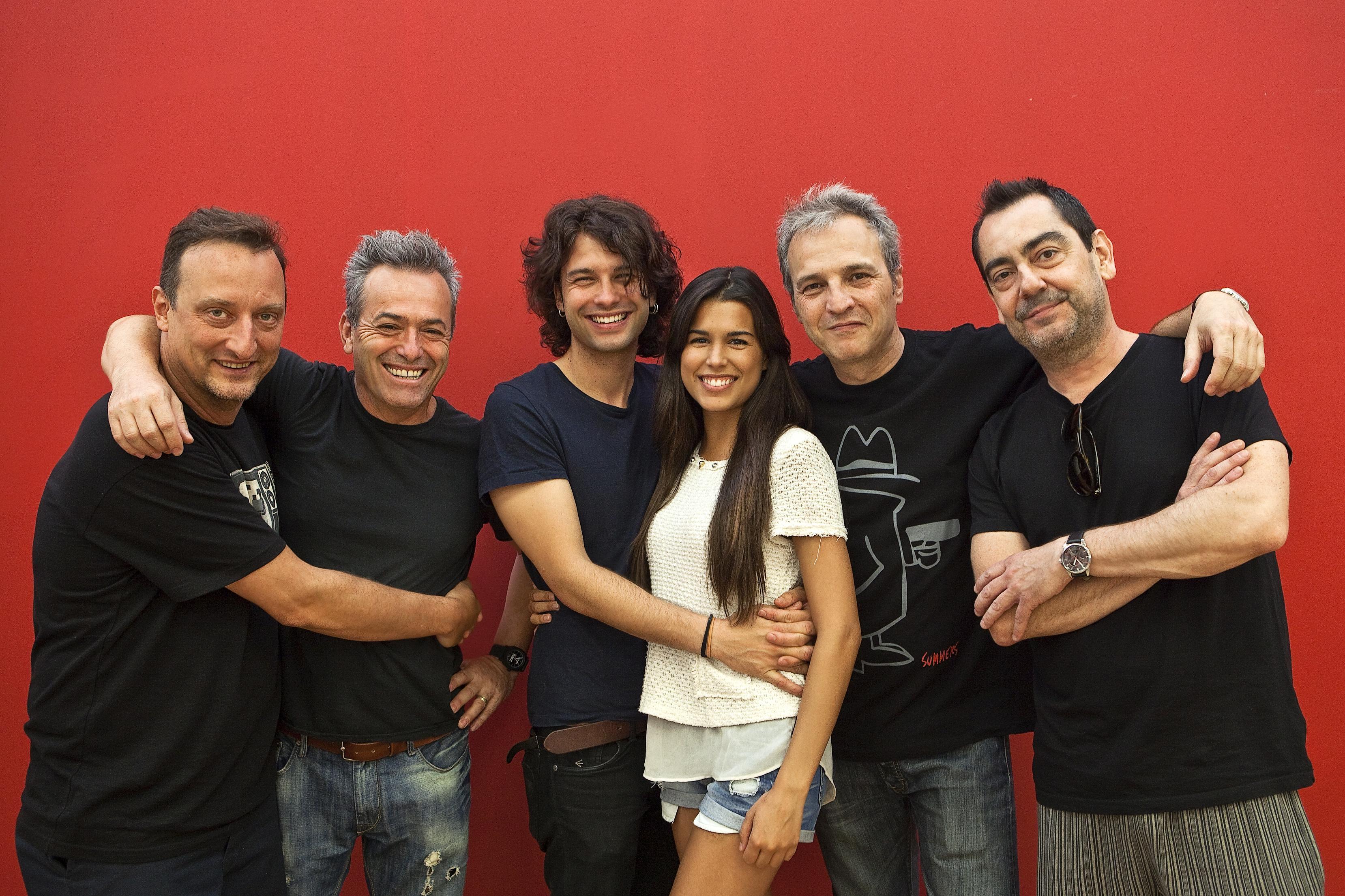 Musical Marta tiene un Marcapasos. Foto promo Hombres G con Nico y Marta